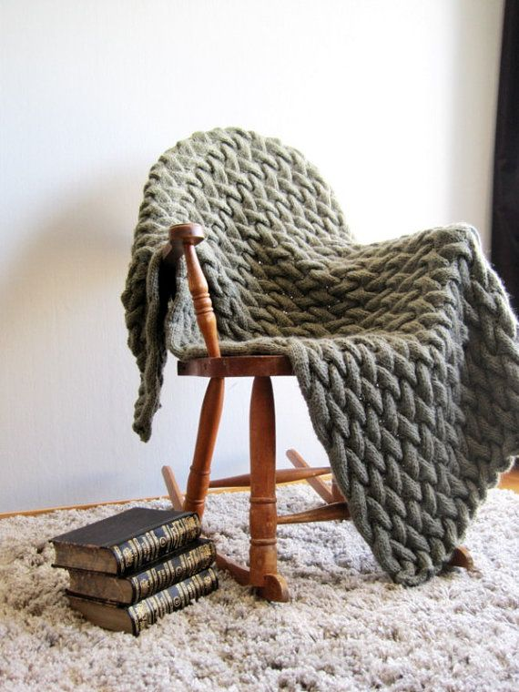 I will explain step by step with pictures how to make such cableknitted chunky blanket  You need to have some knowledge in knitting, time, yarns and patient :)  This blanket is 35*52  90*135 cm  Yarn suggestion: DK, Light Worsted, Aran This blanket knitted in 3 strands  Gauge ( approx) 20 st*20 rows is 4 knitting with 3 strands I have also the baby blanket pattern, knitted in 2 starnds, see here https://www.etsy.com/no-en/listing/188455953/baby-blanket-knitting-p...
