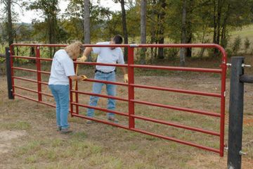 Add a new level of safety and security to your country property with the installation of a properly hung gate. Two farm fencing experts demonstrate this 'DIY'...