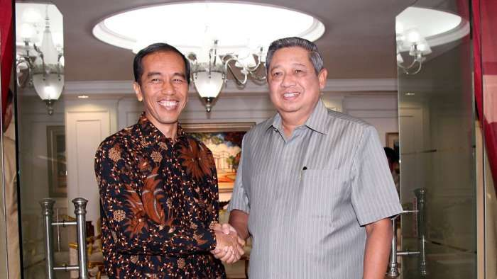 SBY Sindir Jokowi-JK Enggan Dikritik Tetan Masduki Membantah : Presiden RI ke-6 Susilo Bambang Yudhoyono (SBY) mengaku enggan mengkritik pemerintahan Joko Widodo-Jusuf Kalla karena ada elemen di lingkar Istana yang tak suka dengan