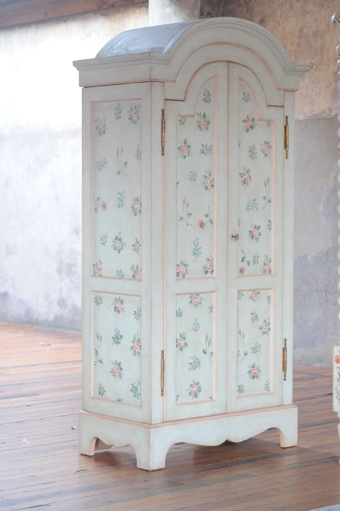 Vicenza Armoire Closed  Hand painted