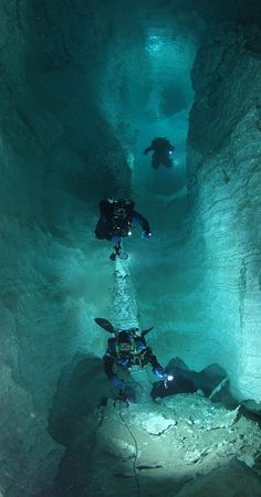 Ice Cave Underwater E | Limestone cave / Cave diving