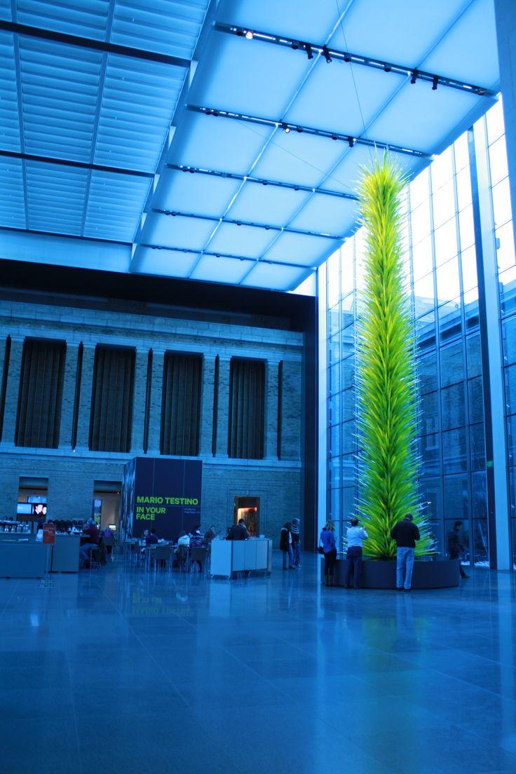 """Boston Museum of Fine Arts - Mario Testino """"In Your Face"""""""