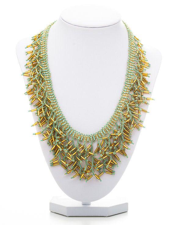 Grün-Gold-Kette, Gold Grün Halskette, grüne Fransen Halskette, eleganter Schmuck, Halskette Brautjungfer,