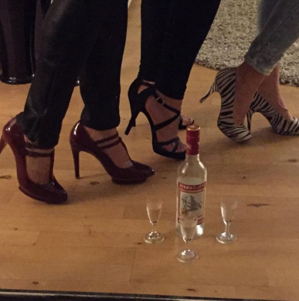 Inge Thaulow knows a girls night out has to be done in our super comfortable high heels :) ♥