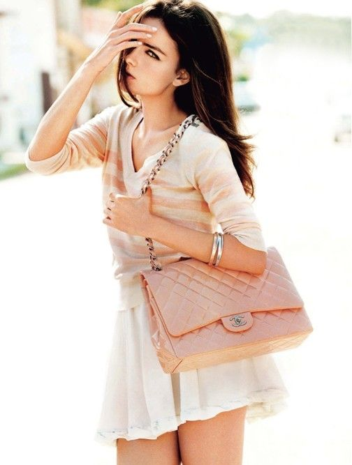 pretty look- baby pink  http://rover.ebay.com/rover/1/710-53481-19255-0/1?icep_ff3=1&pub=5575067380&toolid=10001&campid=5337424315&customid=&ipn=psmain&icep_vectorid=229508&kwid=902099&mtid=824&kw=lg