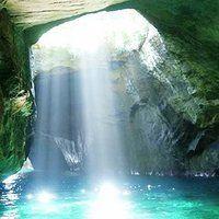 まるで青の洞窟。静岡県【堂ヶ島天窓洞】で光の美しさを目のあたりに。