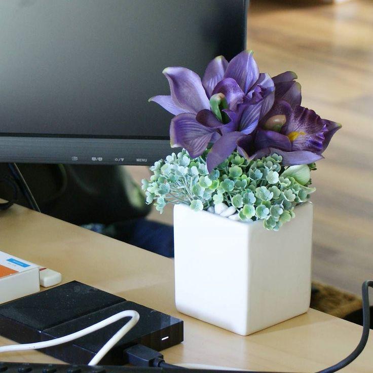 Mov de neuitat #aranjament #aranjamente #flori #artificiale #floriartificiale #orhidee #lila #mov #violet #decoratiuni #infrumusetare #casa #flowerstagram #beatrixart www.beatrixart.ro