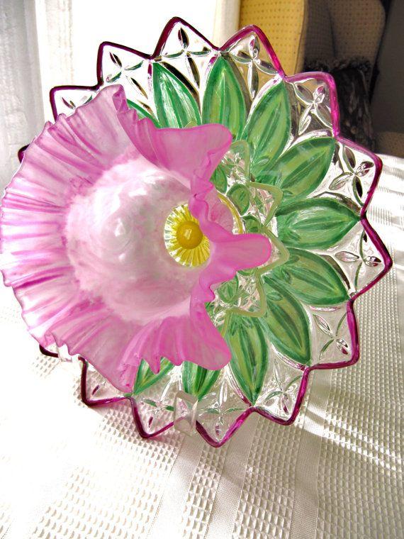 Vintage glass garden art plate flower glass art by for Garden art from old dishes