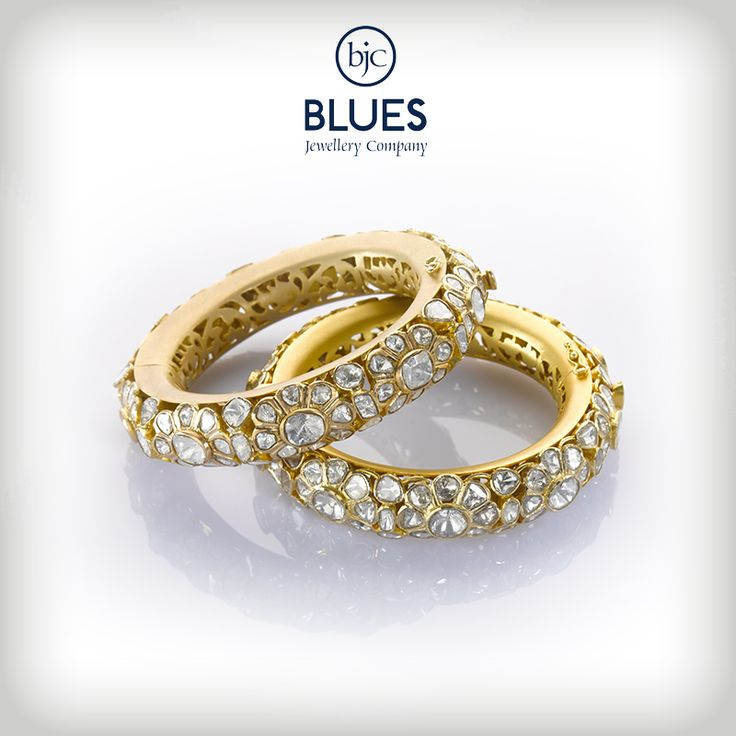 Uncut diamonds set in a semi floral pattern! Exquistely designed bangles for an exquisite you!