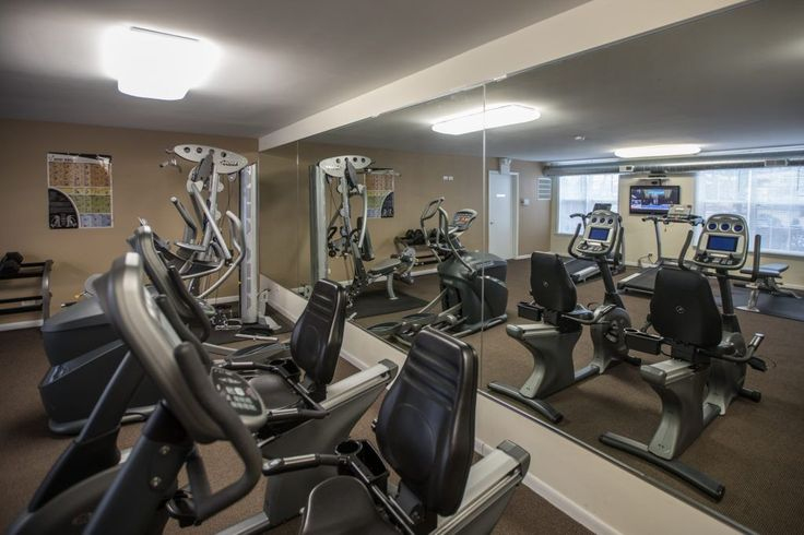 Come pump some iron or work on your cardio in our fitness center! Just one of the many amenities here at #ArriveNorthShore #Apartments in #Highwood #Illinois
