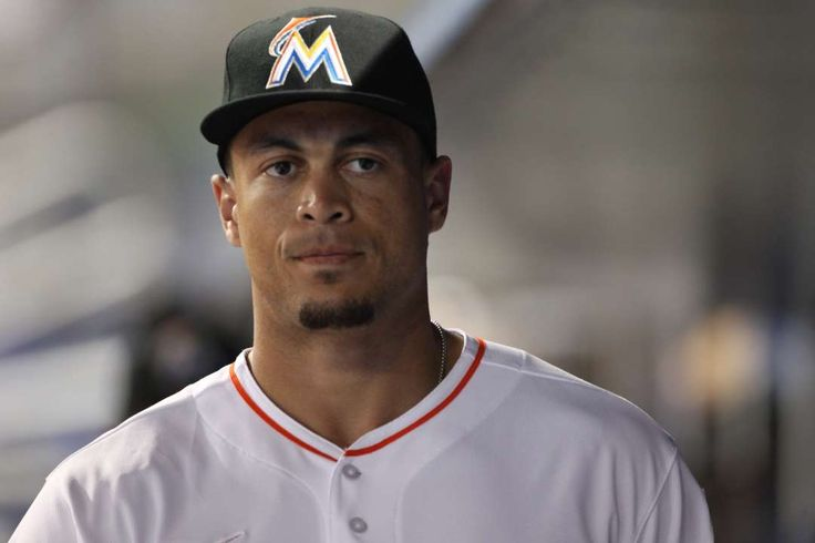 Most hated MLB players today:    Giancarlo Stanton:    The hate for Miami Marlins slugger Giancarlo Stanton stems from one simple fact: He is signed to the richest contract in all of sports. Stanton signed a 13‐year, $325 million contract with the Marlins in late 2014, a contract that many baseball fans feel is entirely undeserved. He sure can hit the long ball though.