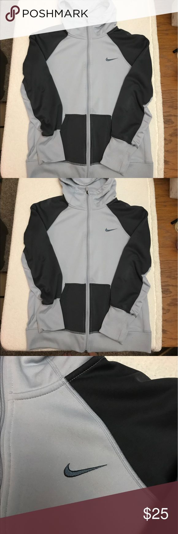 Gray Nike coat Good condition Nike Sweaters