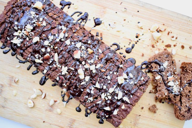 Misschien niet de combinatie waar een traditionele cake doorgaans van wordt gemaakt, maar wel een hele goede combinatie! Zoals jullie misschien weten ben ik dol op pompoen en verwerk ik…