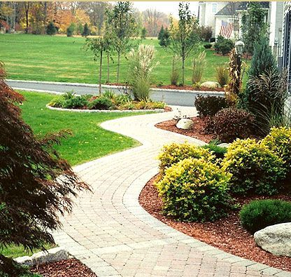 Half circle driveway landscaping ideas landscaping ideas for Circular driveway layout