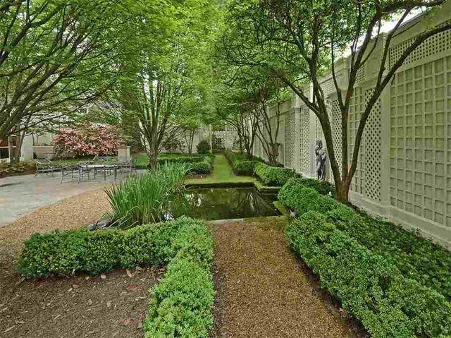 14 best images about memphis gardens on pinterest for Garden trees memphis