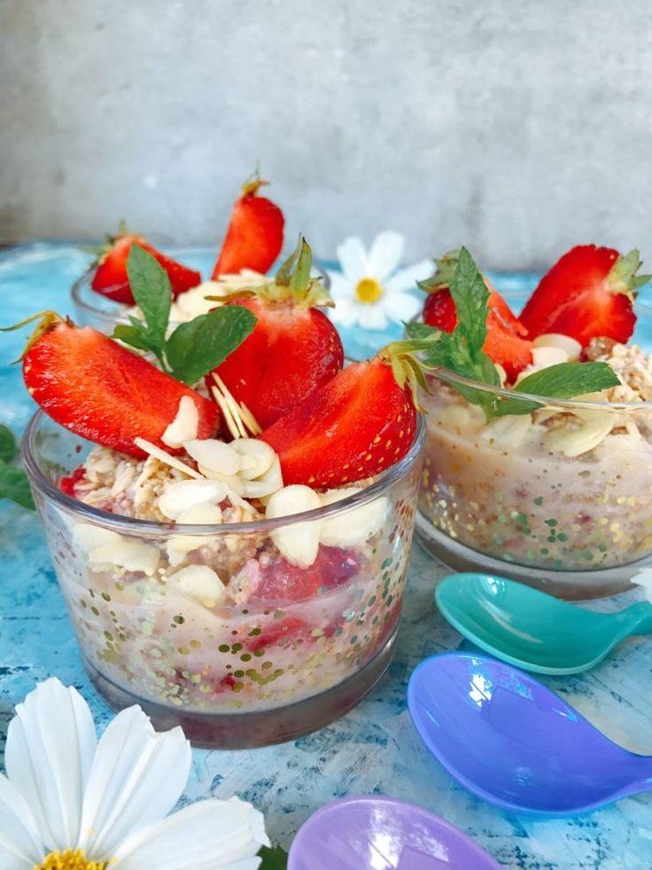 Overnight oats på svenska jordgubbar och mandelsmör