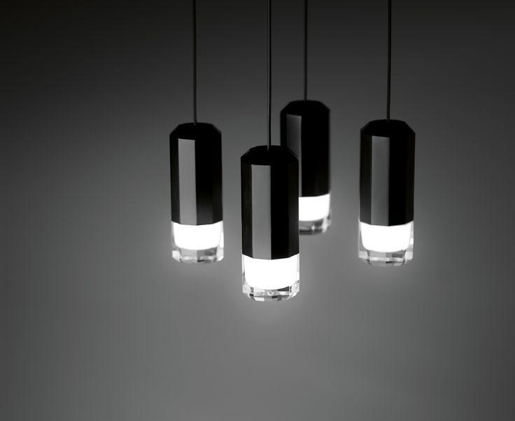 Lampa marki Vibia,  model WIREFLOW, projekt: Arik Levy