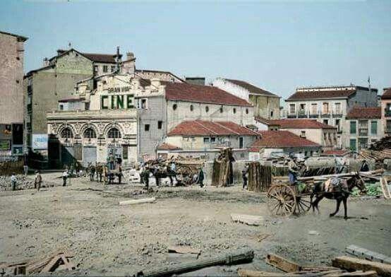 El Cine Teatro Gran Vía (Plaza Callao) poco antes de ser demolido en 1920 durante las obras de construcción de la Gran Vía.