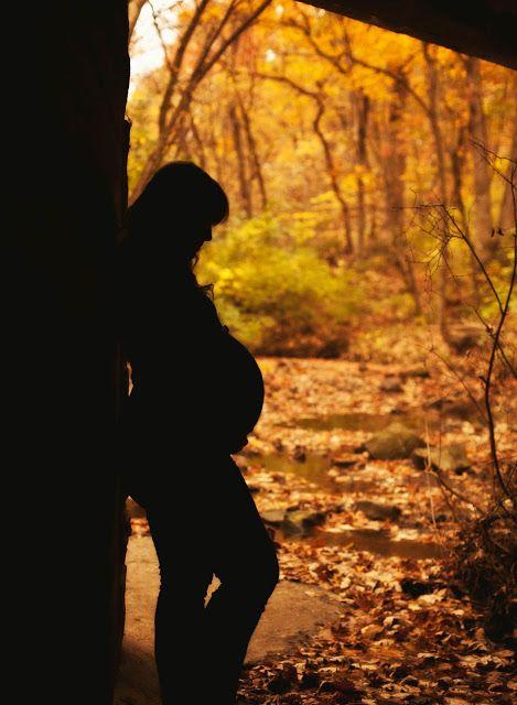 I love the profile silhouette photo! Fall maternity