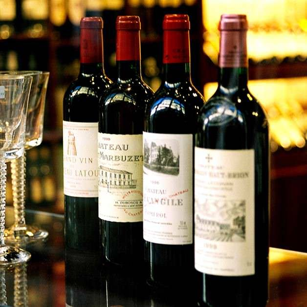 Buy best cayman wines online from www.grandoldhouse.com wine shop. GOH is the consistent winner of the Wine Spectator Best of Award of Excellence with more than 800 selections with over 15,000 bottles.