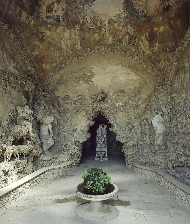 the Grotto Grande of the Boboli gardens, Firenze, Italy. architected by Bernardo Buontalenti, frescos by Bernardino Poccetti, 1593.