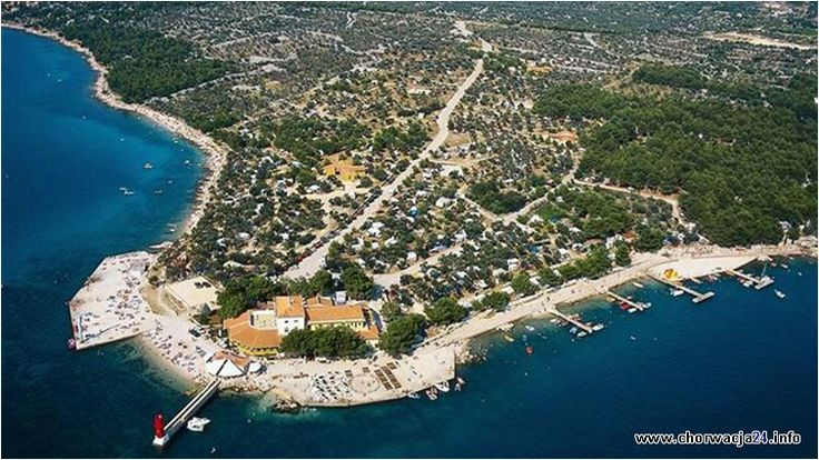 Camping Kovaćine znajduje się w zatoce Kvarner w Chorwacji. Pobliskie miasto Cres cieszy się dużym zainteresowaniem wśród turystów. #cres #chorwacja #kvarner #croatia http://www.chorwacja24.info/camping/kovacine