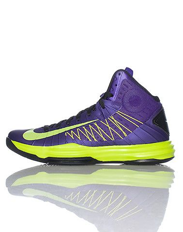 NIKE High top mens sneaker Padded tongue with NIKE hyperdunk logo Mesh  overlay in middle of