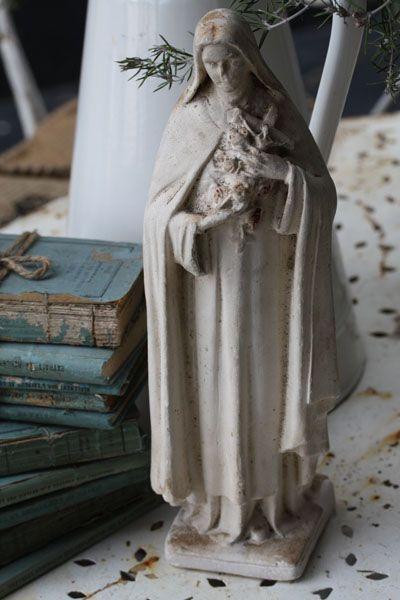 Creamy Statue w/ Antique Blue Books