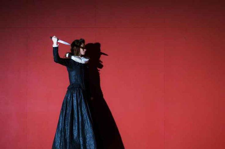 The Big Noise är inspirerad av medeltida grymhet, häxprocesser och tortyr.