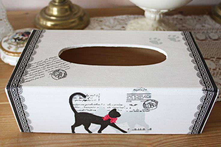 Boite à mouchoirs en bois - style romantique - Chat noir et dentelle : Boîtes, coffrets par charmyandco