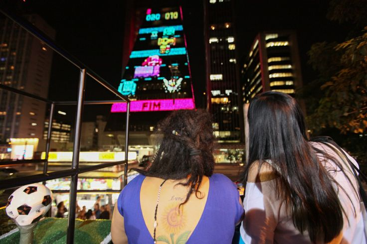 Brazilians Are Playing Frogger On Skyscrapers To Raise Awareness Against Car Accidents | The Creators Project