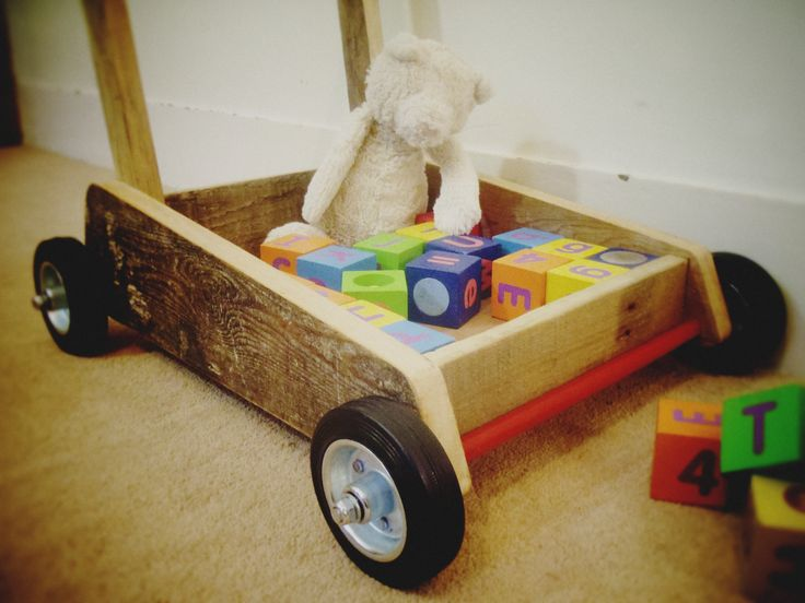 pallet project: children's trolley using reclaimed timber (pallet, plywood, broom handle) and other sundry items