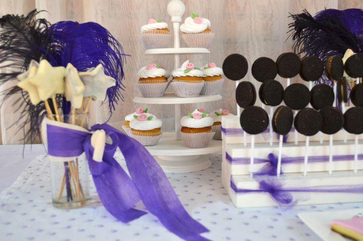 cookies estrellas cup cake de merengue y cake pops oreo #fiesta #golosinas #cocina #chocolates #cumpleaños #mesadulce #festejo