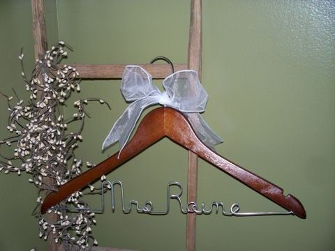 I'd include this in my wedding just to give credit to the hanger genious who thought it up