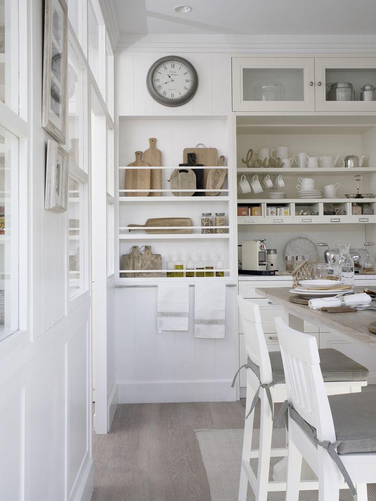 Muebles abiertos en la zona de desayuno. #CasaDecor #CasaDecorMadrid #Cocina #Kitchen #Comedor #DiningRoom
