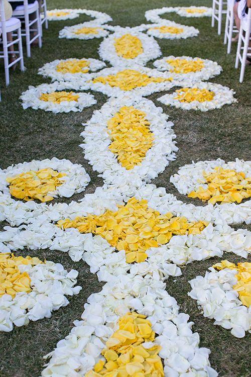 Flower petal aisle runner | @sedonabride | Brides.com