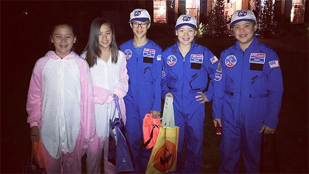 Kate Gosselin Slammed After Fans Notice Son, Collin, 13, Is Missing From Halloween Pic https://tmbw.news/kate-gosselin-slammed-after-fans-notice-son-collin-13-is-missing-from-halloween-pic  Kate Gosselin's in HOT water after posting a pic of her sextuplets on Halloween. Why? Her son Collin wasn't included in the photo, causing fans to believe he was, once again, excluded from the family festivities!Yikes! Kate Gosselin , 42, has been shamed via social media for sharing a family photo of her…