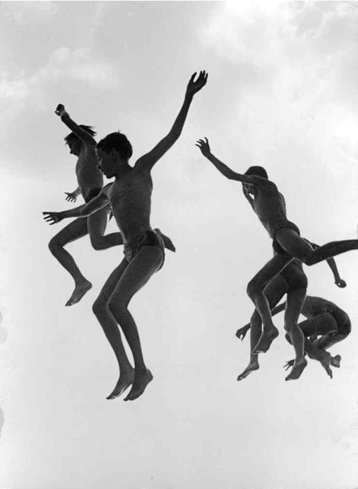 Gotthard Schuh, A Jumping Into The Water