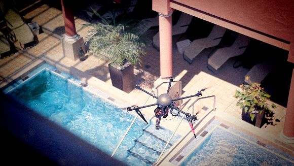 Kamera Drone in der Therme.