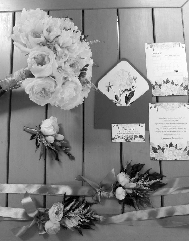 Месяц плотной и активнтй подготовки и вот уже свадьба Антоны и Эли осталась позади. Остается теперь пересматривать фото с телефонов,вспоминать ее яркие моменты и ждать красивых фото 😊😍  #krutofamilyday #gurudecora #julydecor #weddingdecor #decor #weddingfloristic #гурудекора #свадебныйдекор #декорсвадьбы #юлиндекор #оформлениесвадьбы #букетневесты #свадебнаяполиграфия #приглашениянасвадьбу #weddingbouquet #weddinginvitation