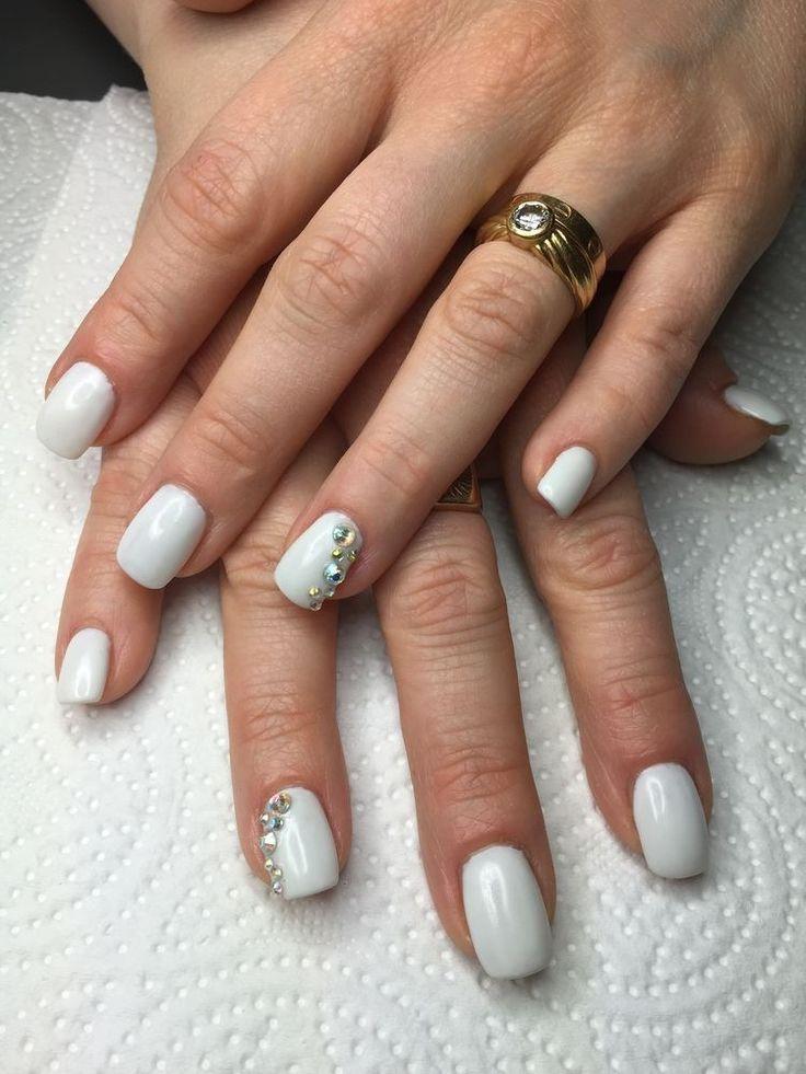 ongles gel blanc swarovski nail pinterest square gel. Black Bedroom Furniture Sets. Home Design Ideas