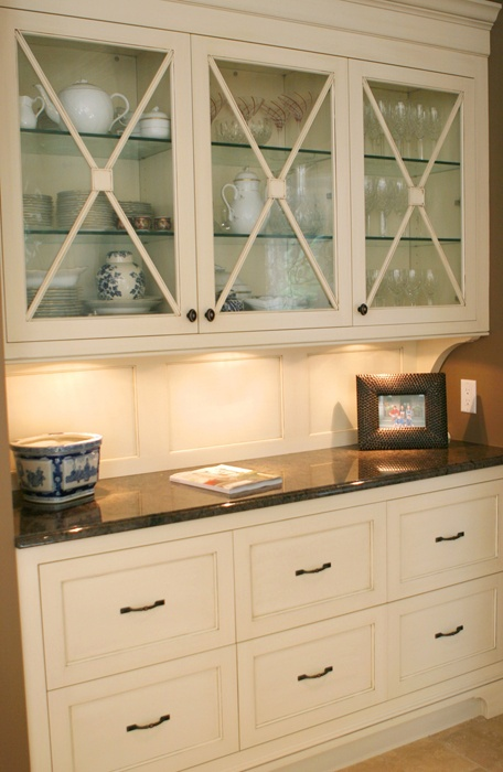 Like Built In Cabinets Dining Room To Hold Special Dishes And Linens This Is