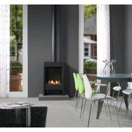 De #Faber Farum is een vrijstaande #gashaard die dankzij zijn afmetingen vrijwel in elke woning geplaatst kan worden. #Gaskachel #Kampen #Interieur #Fireplace #Fireplaces