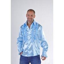 Bloes Ruches Babyblauw. Dit lichtblauwe ruches carnavalshemd is gemaakt van brandvertragende stof, kreukvrij en 100% polyester. Een blouse die je kunt combineren met diverse kostuums en accessoires. In een mum van tijd heb je met andere accessoires een heel andere outfit. Een mooi hemd voor bij een disco of Oktoberfest outfit.