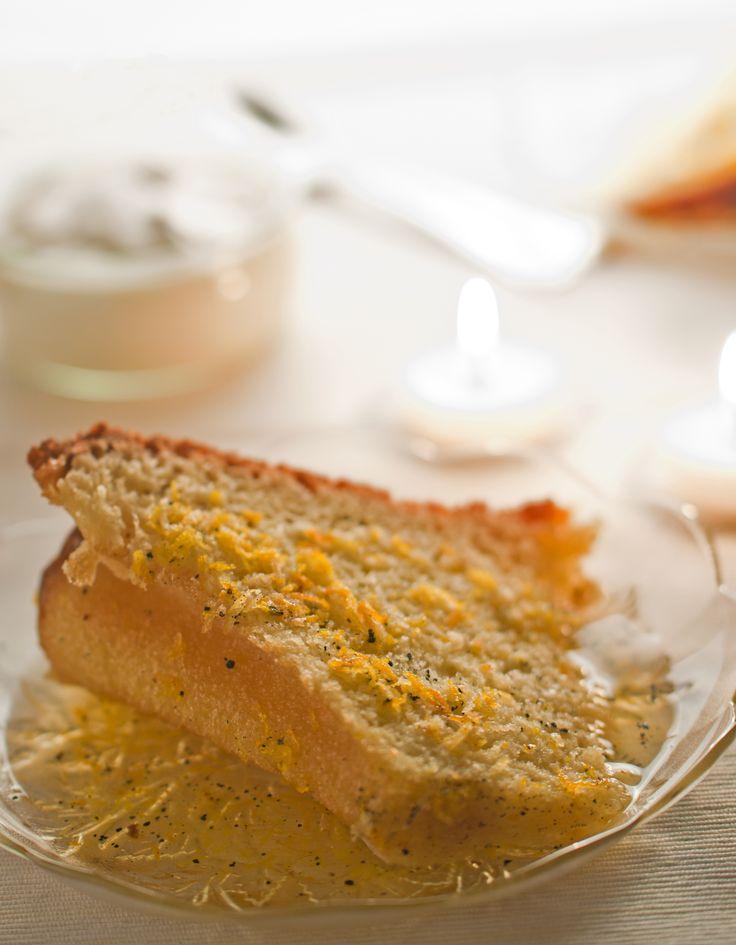 Orange and vanilla bundt cake