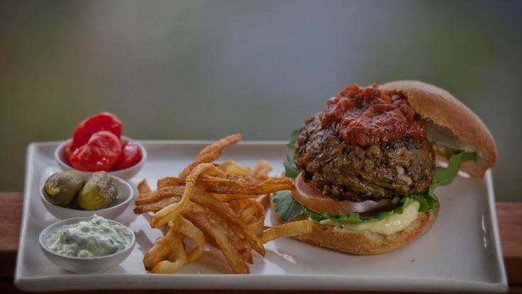 Burgers at #Londolozi Private Game Reserve  www.safari2africa.com