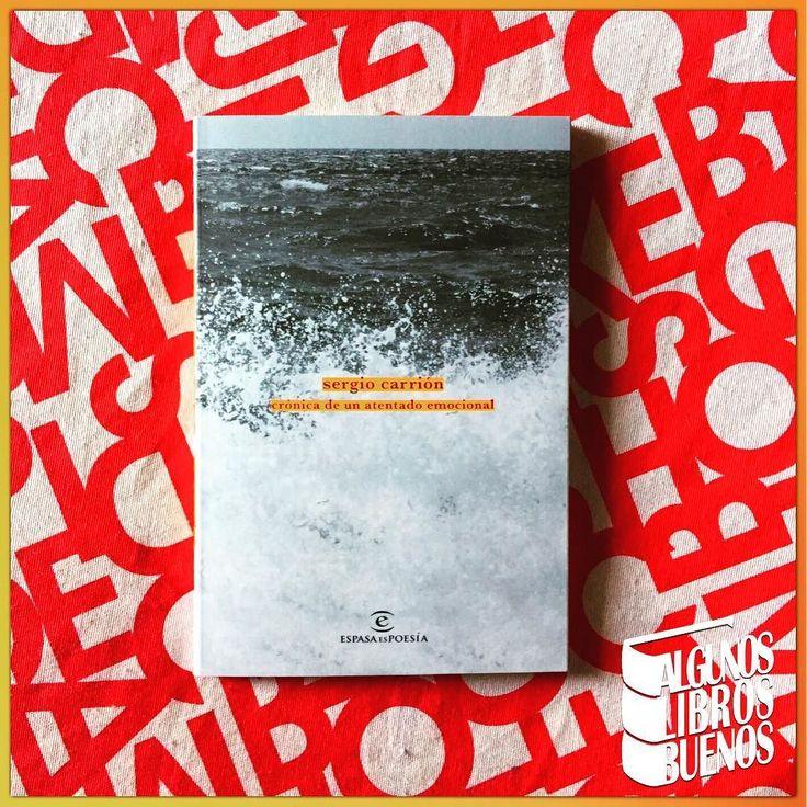 Nueva lectura de @marcossangrador para el blog. #CrónicaDeUnAtentadoEmocional de #SergioCarrion @sergiocarrion editado por @espasaespoesia  Sinopsis: Aquí se recoge el alma del objeto.El objeto no tiene alma pero el hombre puede escribir sobre el objeto y dotarle de una. La poesía es la eternidad de lo que creamos.Todo lo infinito es de por sí hermoso.Aquí los mares y los ríos y la lluvia y también la tierra ocurren en la eterna oscuridad en la eterna luminiscencia del universo. #poesia…