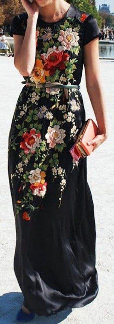 Thin belt + maxi blossom dress