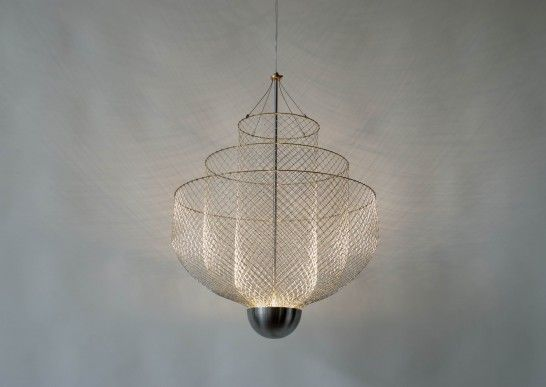 Handmade chandelier by Dutch artist Rick Tegelaar. The Meshmatics series is  made of humble chicken