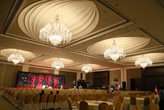 Wedding in 5 star hotel in Banquet hall